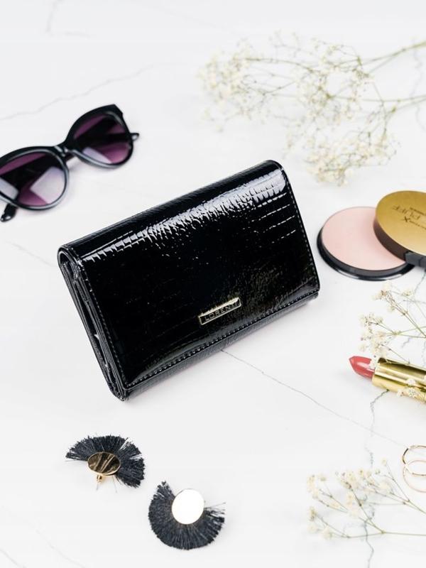 Жіночий шкіряний гаманець чорний 2092